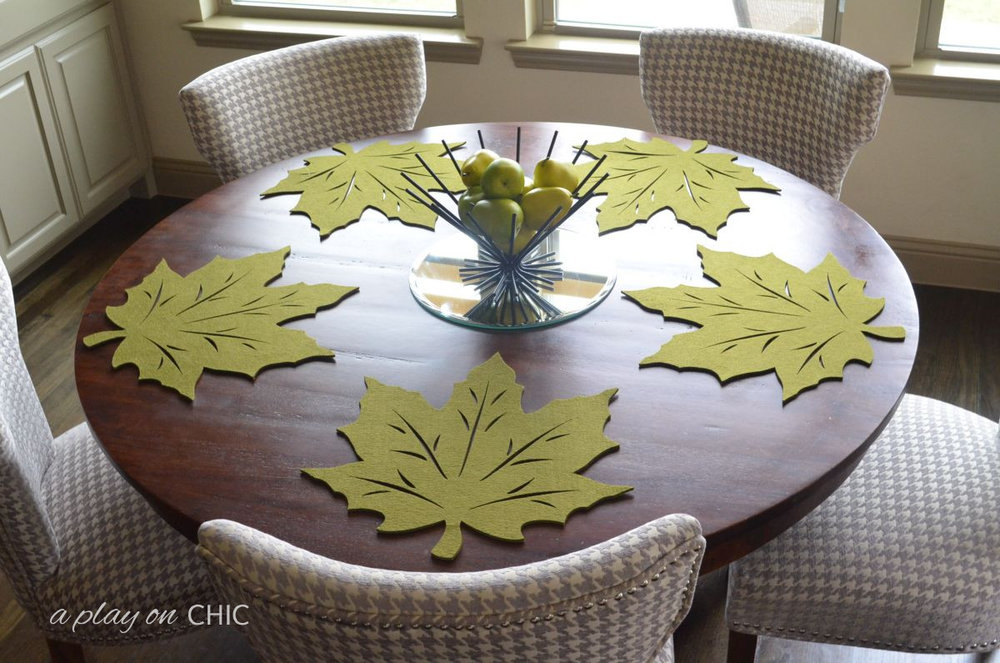 Tablescape-Leaf-Placemat.jpg
