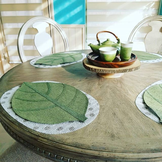 My mom's casual dining breakfast area. Love how cozy and relaxing it feels every time I'm home! A quaint little area to enjoy afternoon tea. ☕  Leaf placemats are $1.50 @daiso_usa 🍃 . . . . .  #tablescape#centerpieces #tabledecoration #tablescapeideas #centerpiece #designidea #tabletop #tablescapes #placemats #tabledecor #tabletopdecor #chichome #homelover #interioraddict #homedetails #breakfasttable #simpledecor #centerpieceideas #leafdecor #tabledesign #tablesetup #designtips #designideas #aplayonchic #placemat #casualdining #breakfastnook