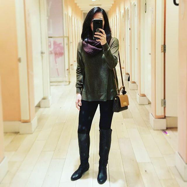 Weekend without the kid means shopping time, new haircut time, and some #metime !! . . . . .  #shopping #shoppingaddict #shoppingtime #shoppingmall #shoppingtherapy #retailtherapy #shoppingcenter #shoppingspree #goodvibes #bootseason #shopaholic #outfitpost#styleblog #whatiwore #styleinspo #style #instafashion #outfitoftheday #lifestyle#lifestyleblogger #fittingroom #fittingroomselfie #comfyboots #lobhaircut #haircuttime