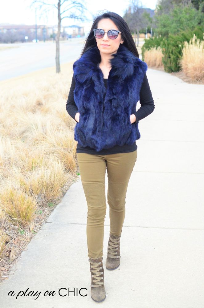 Blue-Faux-Fur-Vest-Green-Ankle-Boots-08.jpg