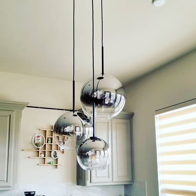 I have waited a while for these lights, and they. are. finally. here! I originally got the completely clear globes and felt they were too transparent that you couldn't really see them. These silver ombre globes from @westelm are perfect as a statement piece in my breakfast area imo!  Happy Sunday! . . . . .  #homestyling #westelm #mywestelm #homedetails #homeideas #lightfixture #pendantlight #interiors123 #interiordesignblogger #interiorinspiration #interiorinspo #lightingdecor #interiorlighting #lightingdesign #lightinginspiration #ceilinglight #modernlighting #lightingideas #lightdecor #hanginglight #pendantlights