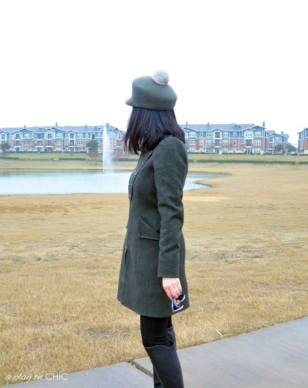 Rainy-Day-Outfit-Essentials-01.jpg