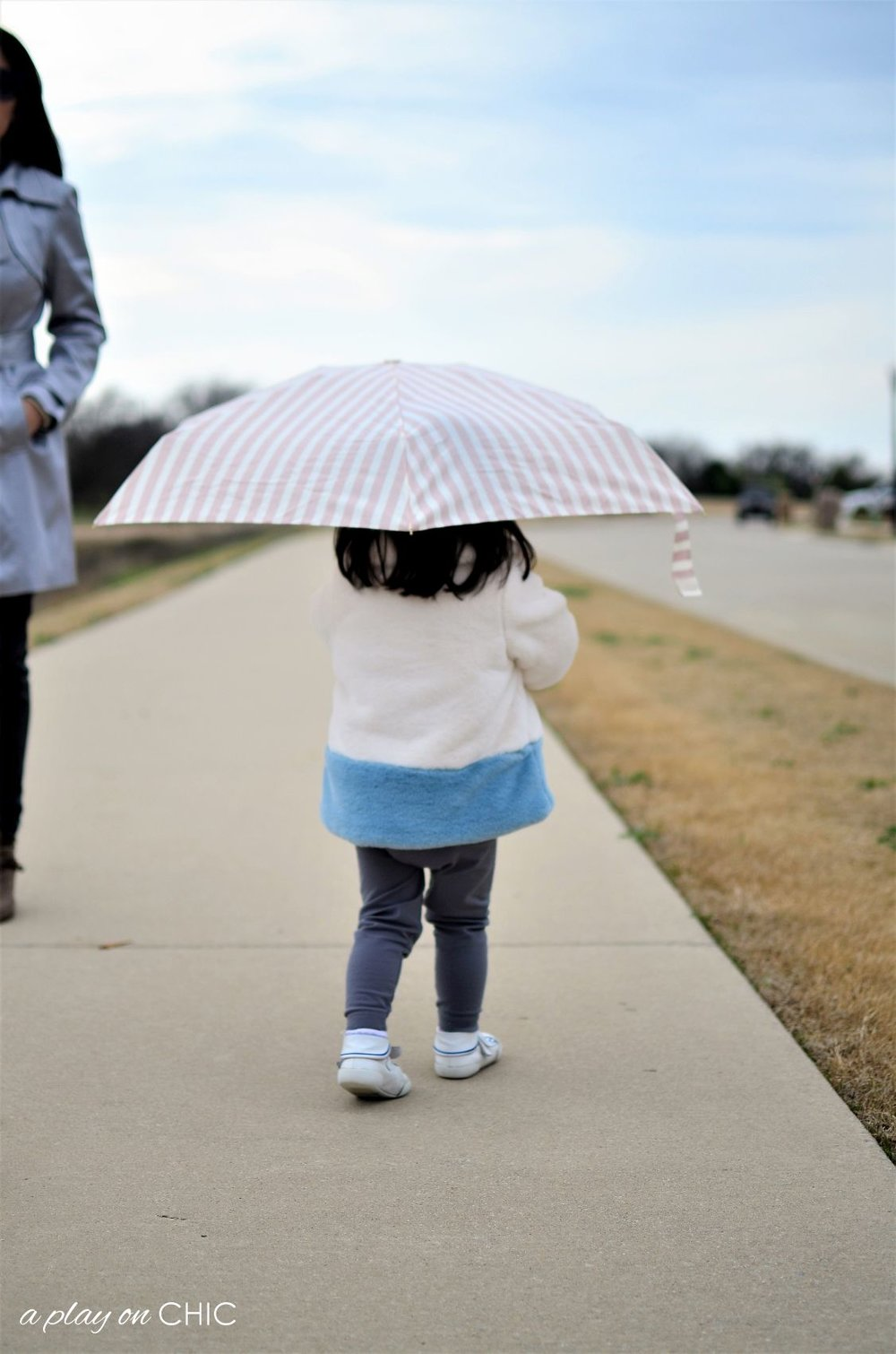 Rainy-Day-Outfit-Essentials-66.jpg