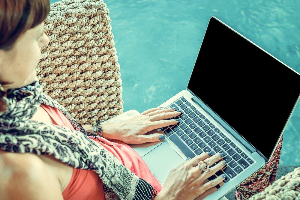 busy-digital-nomad-female-452768.jpg