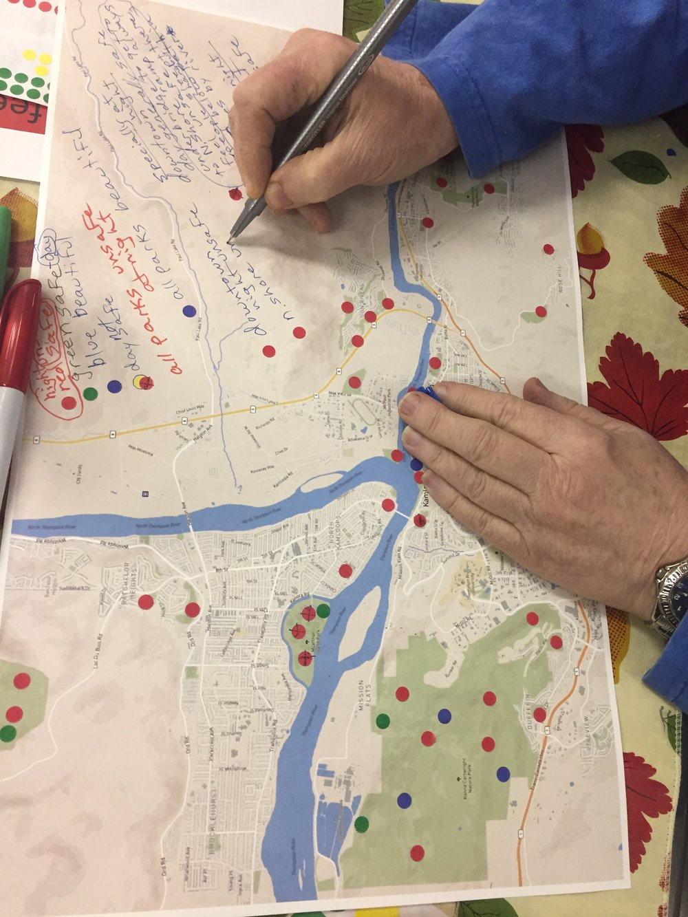 An Elizabeth Court resident creates her legend on her map.