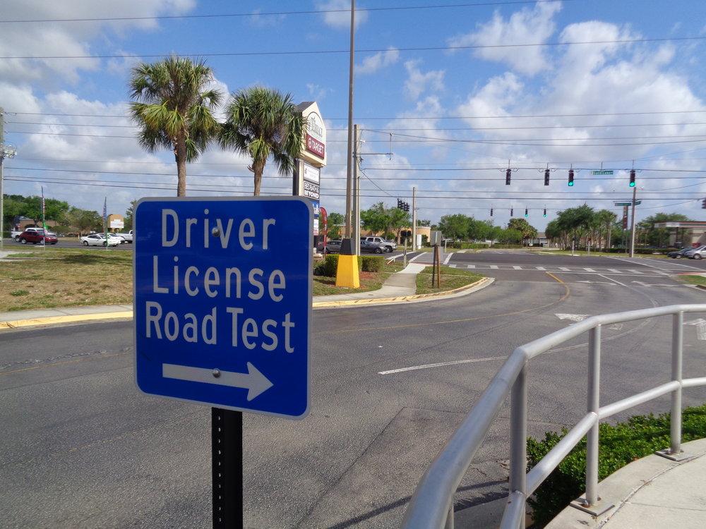 Licencia de conducir — Aqui y Alla