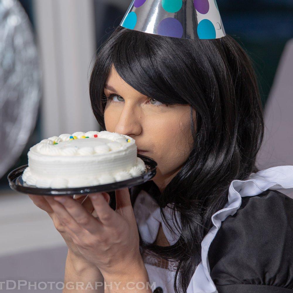 Kim Lazaroff Cake Maid -