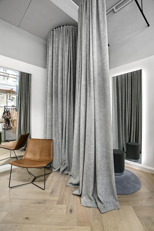 thurley-the-strand-sydney-fitting-room.jpg