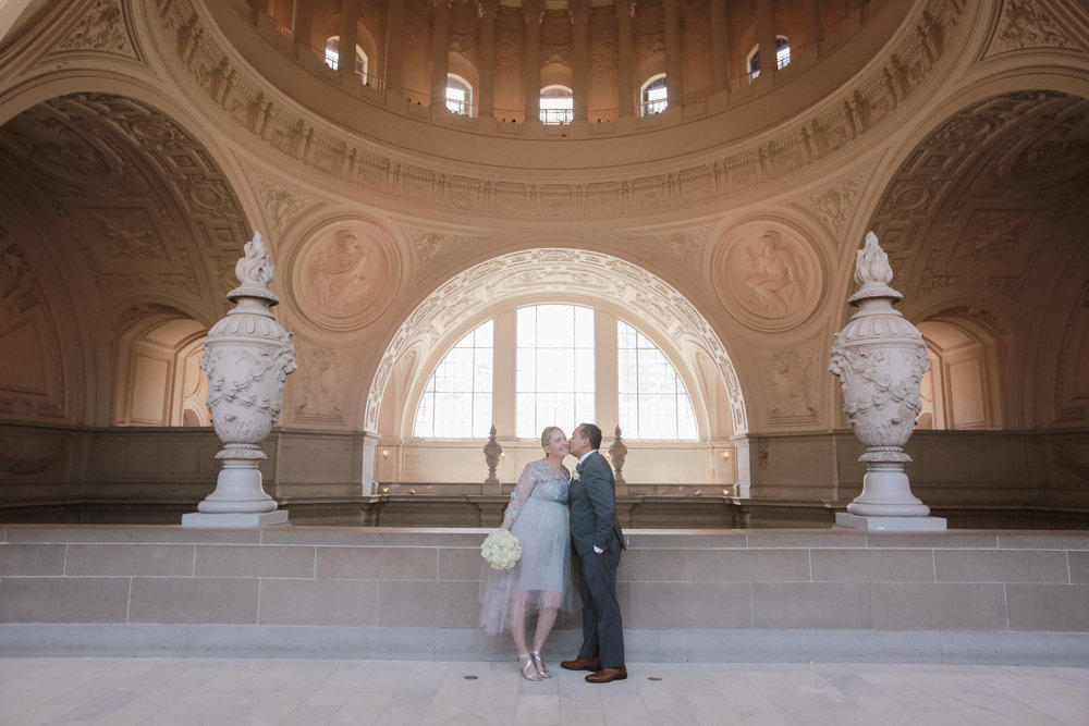 San_Francisco_City_Hall_Wedding_010.jpg
