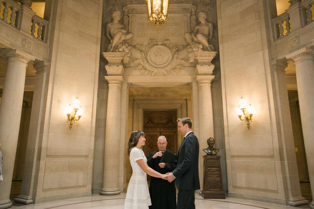 San_Francisco_City_Hall_Wedding_010.jpg