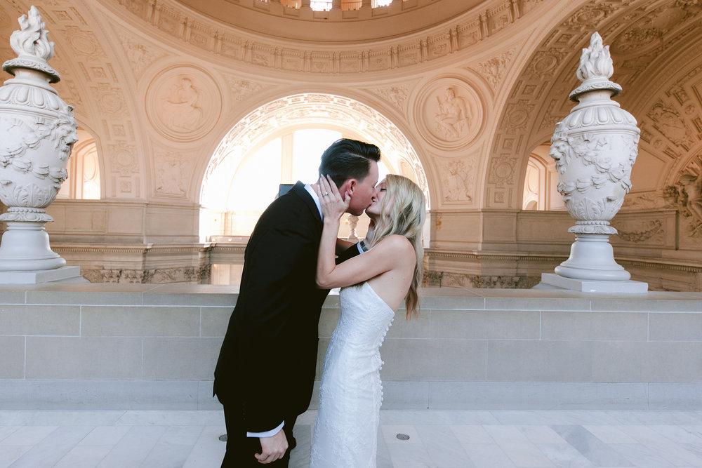 San_Francisco_City_Hall_Wedding_003.jpg