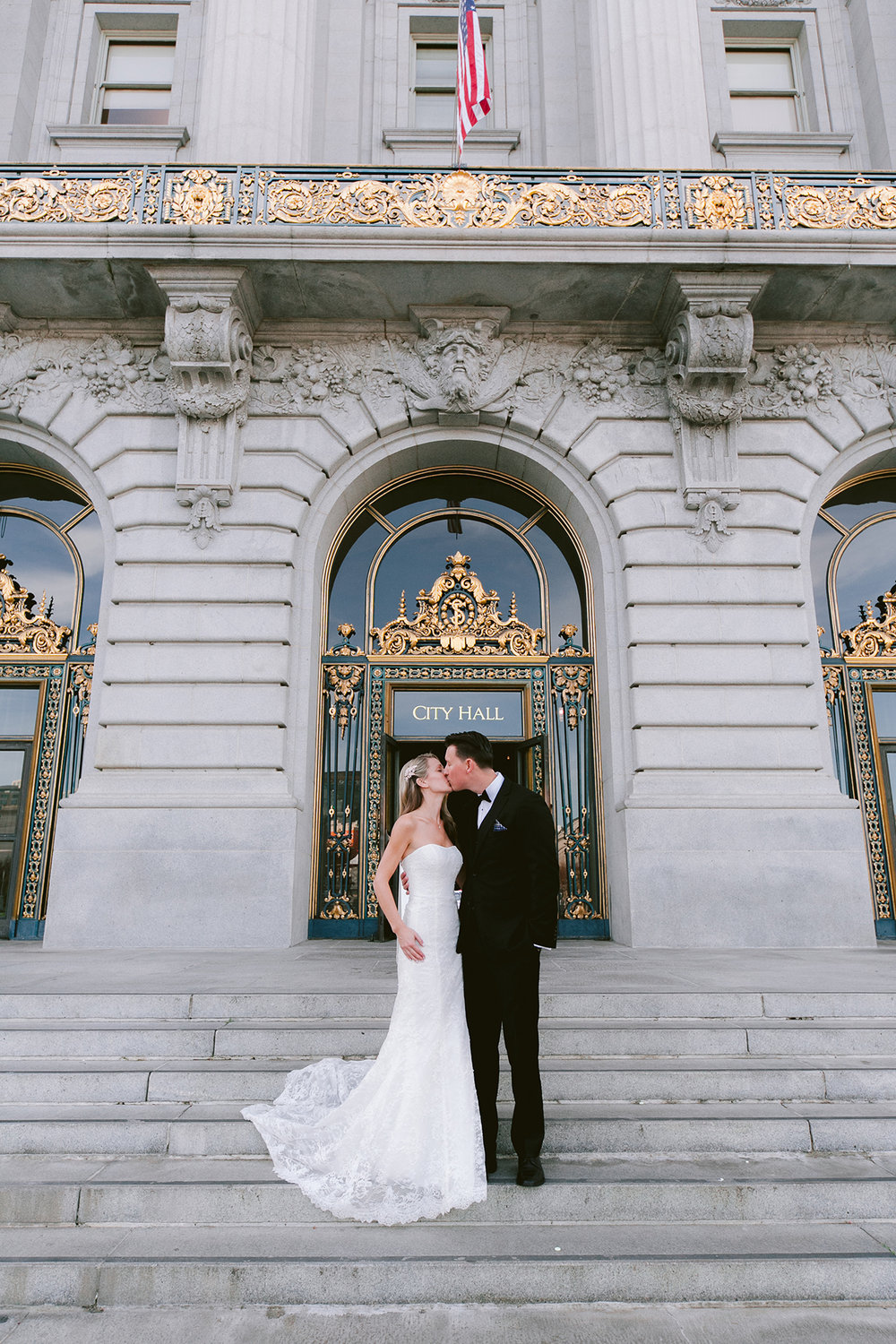 San_Francisco_City_Hall_Wedding_016.jpg