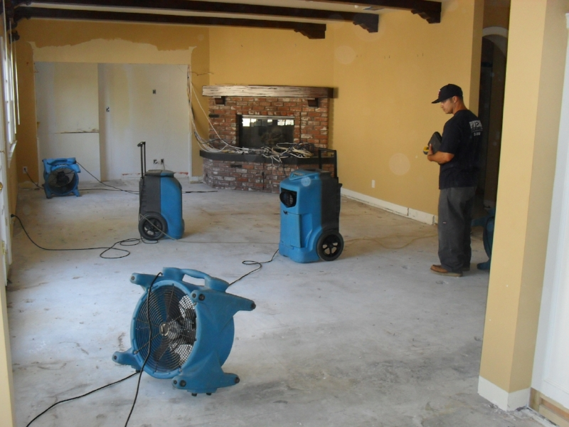 water-damage-restoration4.jpg