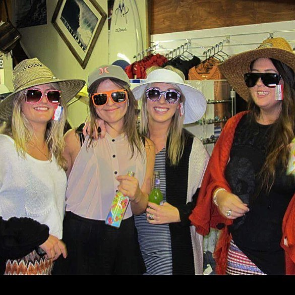 Flash back to these #akwaangels almost 10yrs ago @dezinaylor @jadeannaandrews @alexandraking3 @foigyy looking the goods in their new @lespecs #wesurf #supportinglocals #10yrsofakwa