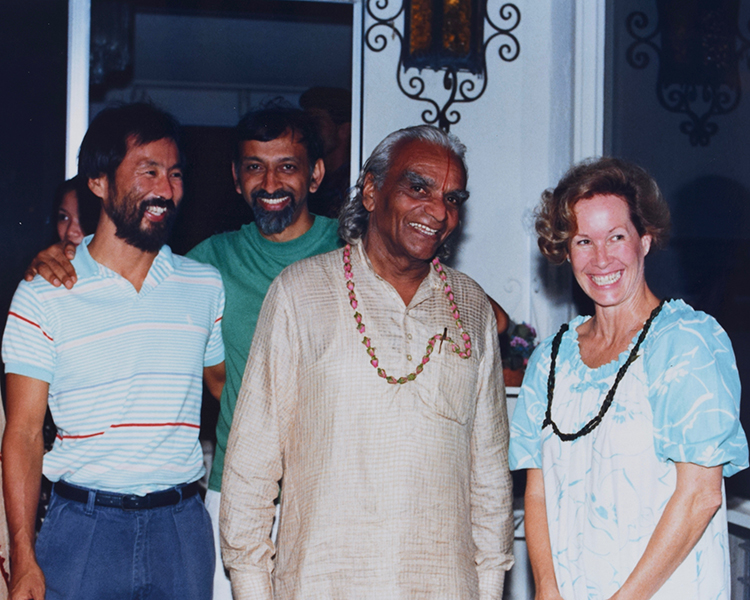 Glenn, Ramanand, Iyengar with Penney Sing who hosted guruji, his entourage and the luau at her home