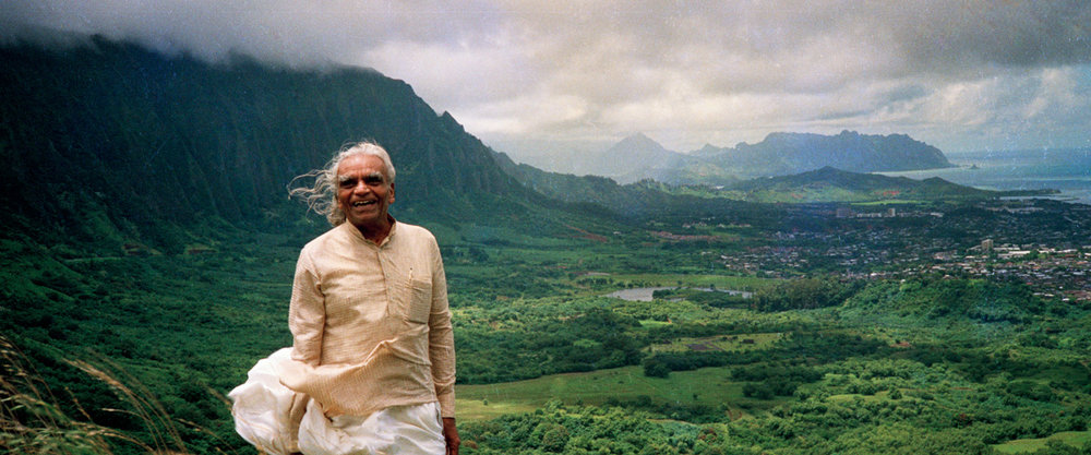 Guruji B.K.S. Iyengar at the Pali Lookout in 1987. Photo courtesy of Penney Sing, co-founder of the Iyengar Yoga Silent Dance Center.