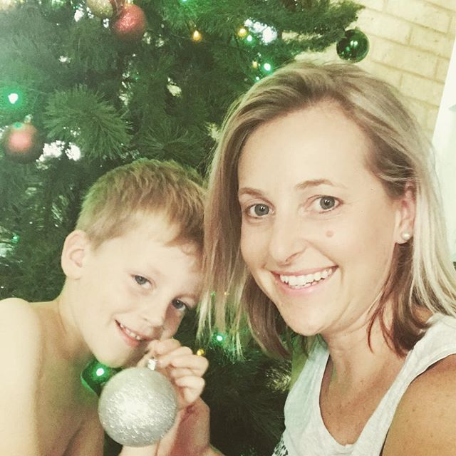 🎄🎄I love Christmas!! 🎄🎄 well actually truth be told I love the lead up to Christmas more than the day itself. Setting up the tree, elf on the shelf (sometimes 🤣 sometimes 🤦🏼♀️), carols by candlelight, Christmas music ❤️💚. And how good are Christmas movies?! 😝 #20daystogo #ilovechristmas