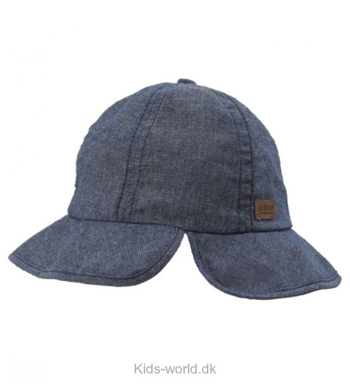 Melton Sommerhat - Super flot Melton sommerhat i blåmeleret denim.Hatten har en krydssyning i toppen, så den får en rund, god pasform. På fronten og bagtil har hatten en skygge, der beskytter mod solens stråler.