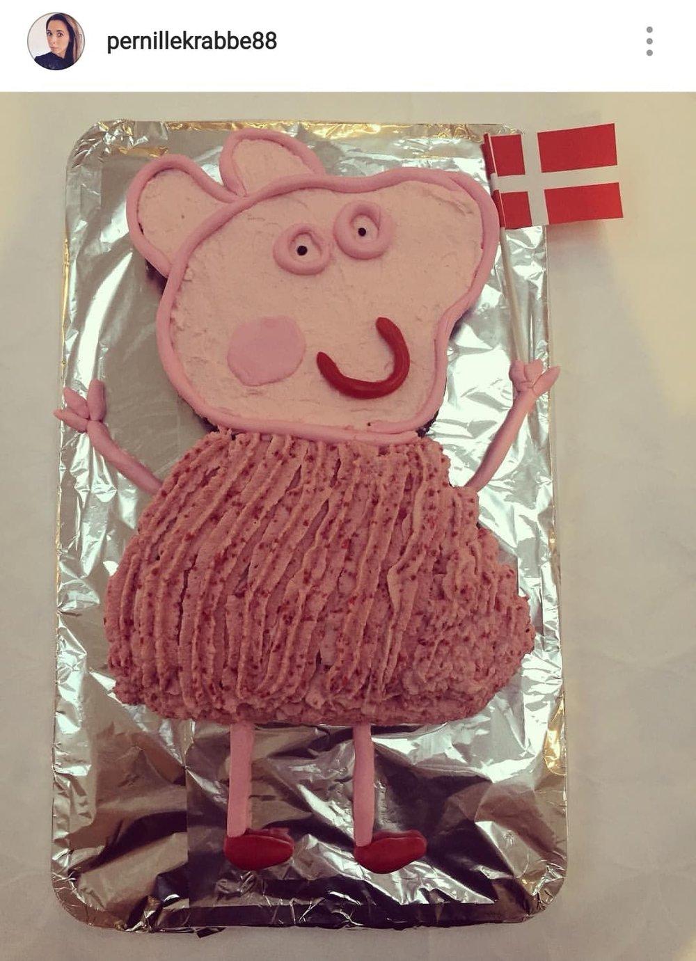Her er der endnu en fin, nem og ligetil kage til Gurli Gris fanen. Er den ikke fin?