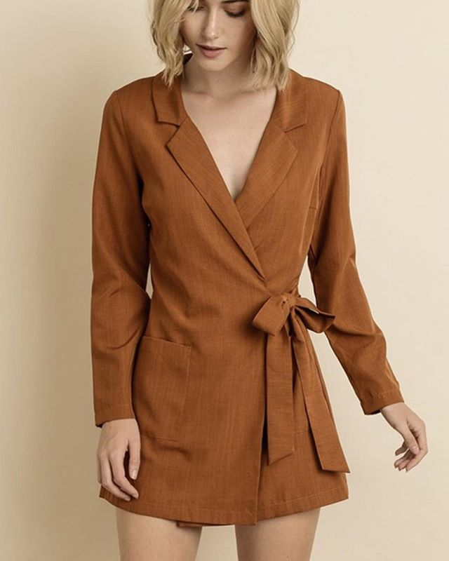 The Mesa Romper in Camel 🐪 - your new BFF for all of your holiday festivities this season! Only a few left in each size!!