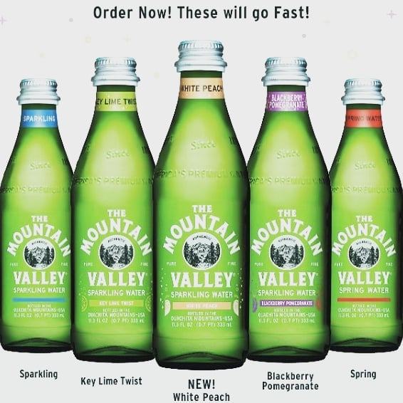 These are a great summer treat!! Order yours today!! #sparklingwater #mountainvalleywater water #wateringlass #gogreen #livewell #nosugar #westpalmbeach #palmbeach #wpb