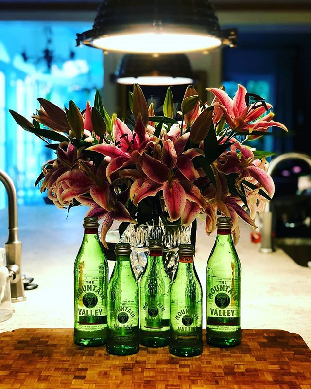 Call us today to quench your thirst this holiday season. Try our sparkling spring water available in plain, key lime or white peach flavors. #stayhydrated #mountainvalleyspringwater #westpalmbeach #palmbeach #justpeachy #tinybubbles #wateringlass #greenglassbottle