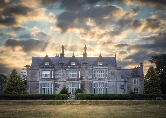 Muckross House . . Olympus EM1 Mk2 . . #ireland_gram  #irish_daily  #inspire_ireland  #jaw_dropping_shots  #microfournerds  #olympus  #sunrise_madness  #sunrise  #ig_ireland  #bns_landscape  #sky_sultans  #sky_marvels  #sky_captures  #sky_painters  #raw_ireland  #insta_ireland #irish_daily