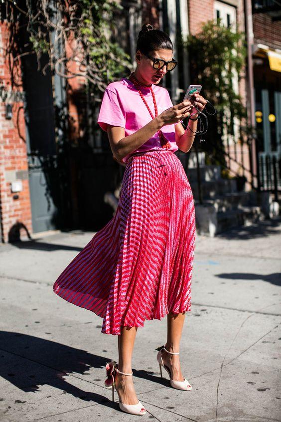Giovanna Battaglia lors d'une fashion week new-yorkaise en 2017, par Sandra Semburg via Vogue Paris
