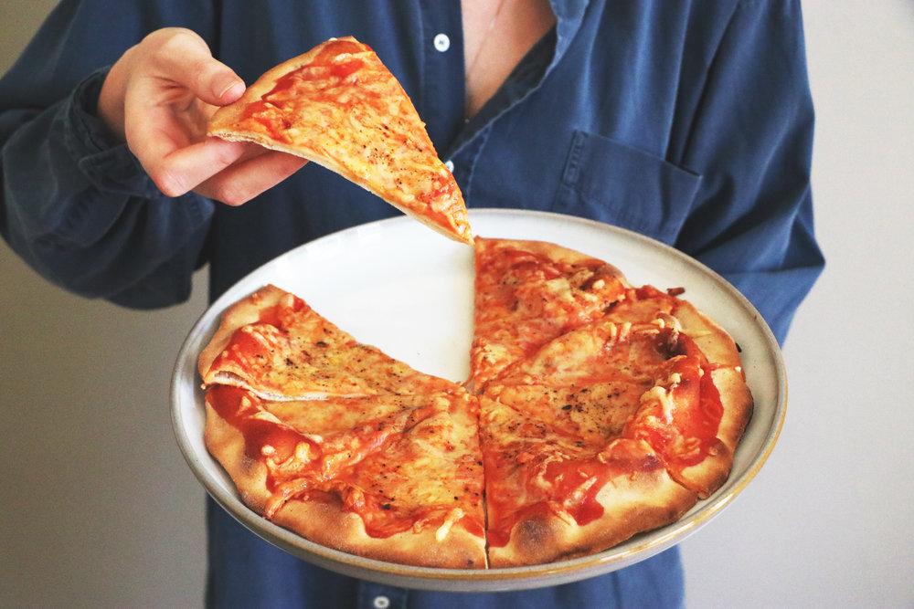 vegancheesepizza.jpg