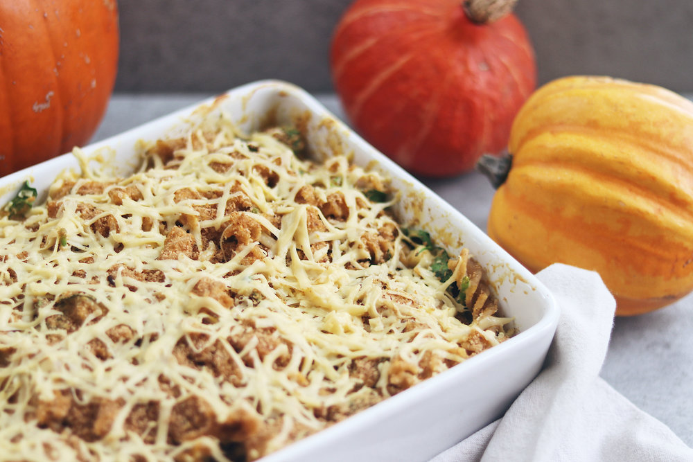 Let's start this Autumn season with a hearty and sweet roasted pumpkin pasta bake! - prep time 1 hour total time 25 mins serves 6
