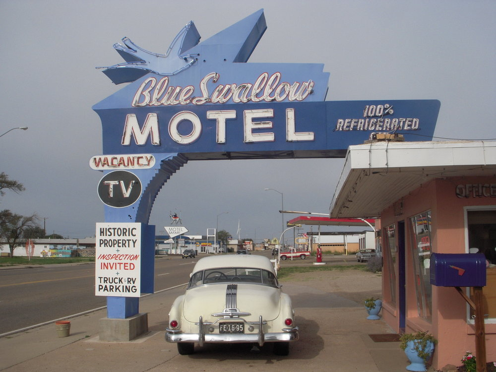 the blue swallow motel: a mecca for british tea lovers on route 66