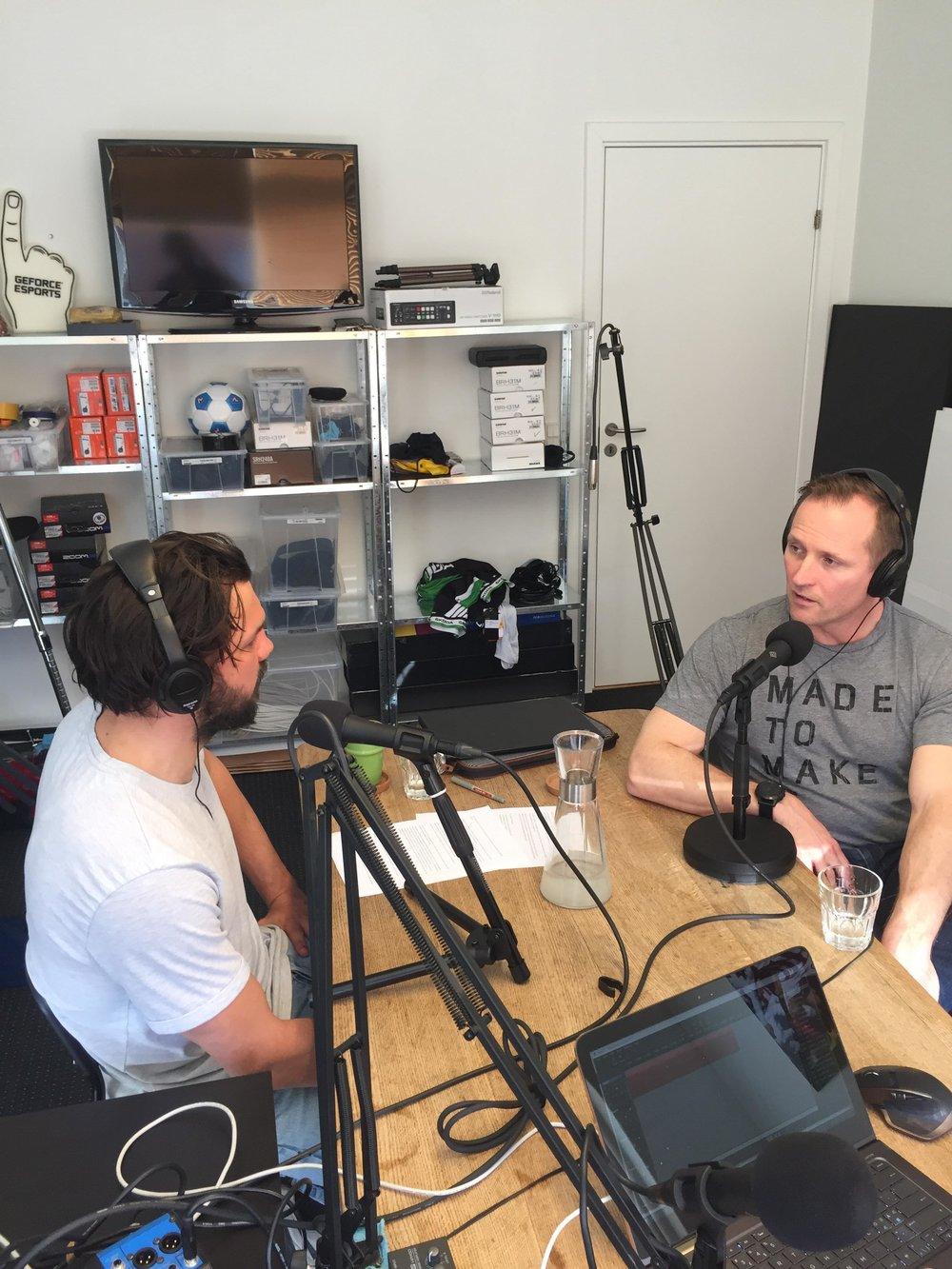 Jakob Green (tv) under samtalen med Klavs Bruun Jørgensen.