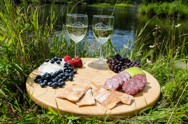 Dining on The Fly:.Unforgettable stream-side dining experiences for your private or corporate group.