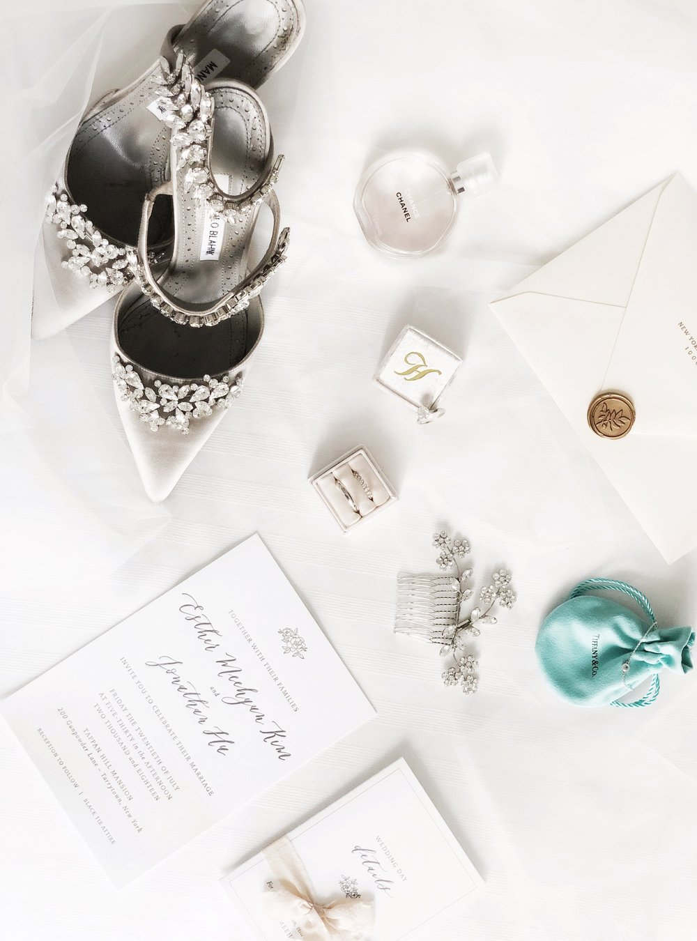 wedding flatlay meehattan
