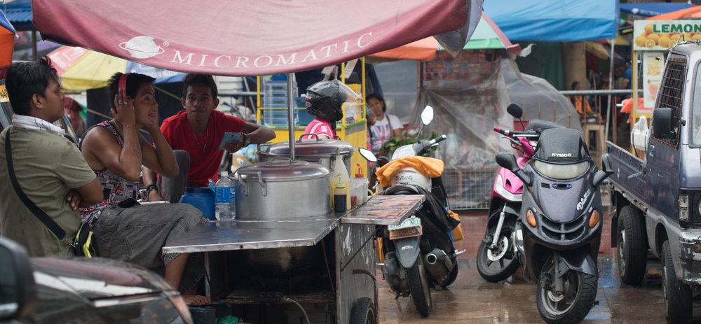 Wandering the Streets of Manila: Break Time