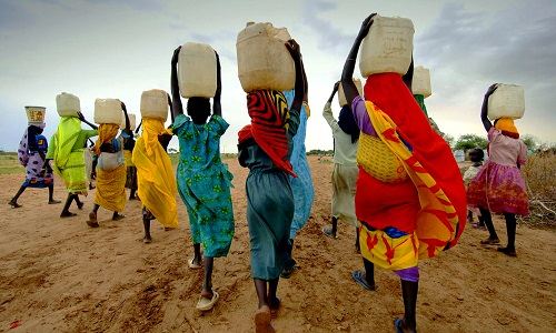 Women-and-girls-collecting-water-in-Sub-Saharan-Africa.jpg