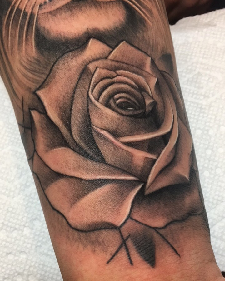 tattoo-realistic-rose.JPG