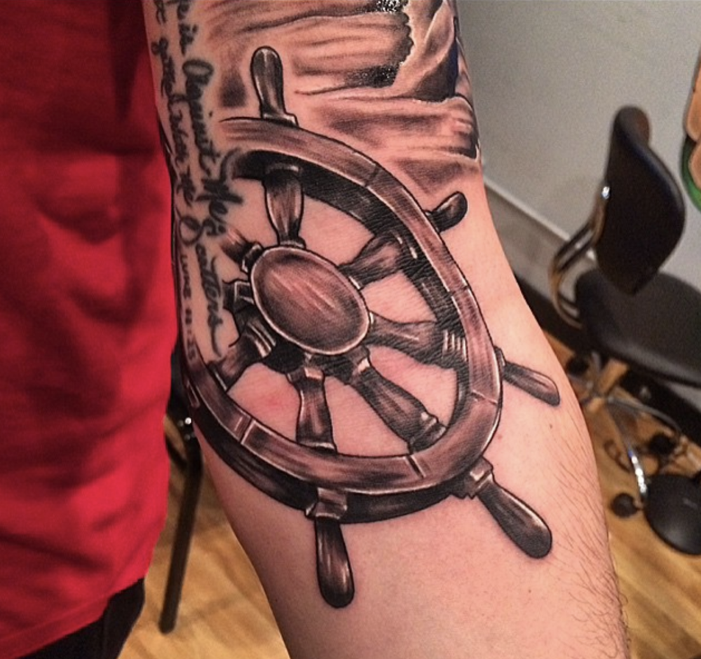 tattoo-ship-wheel.png