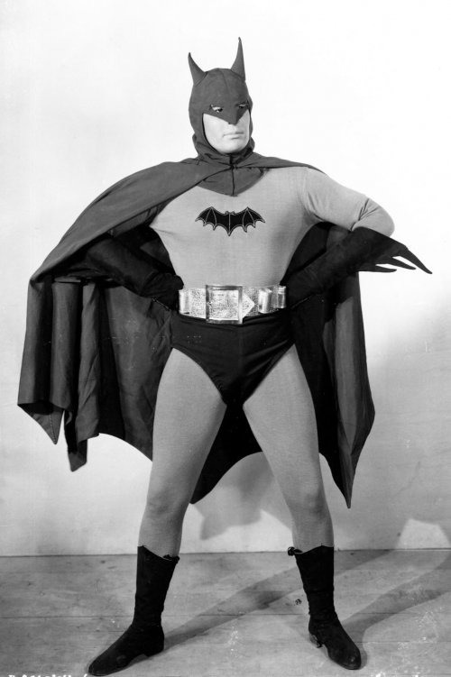 Not crazy about the belt, but otherwise, not a bad costume, all things considered.
