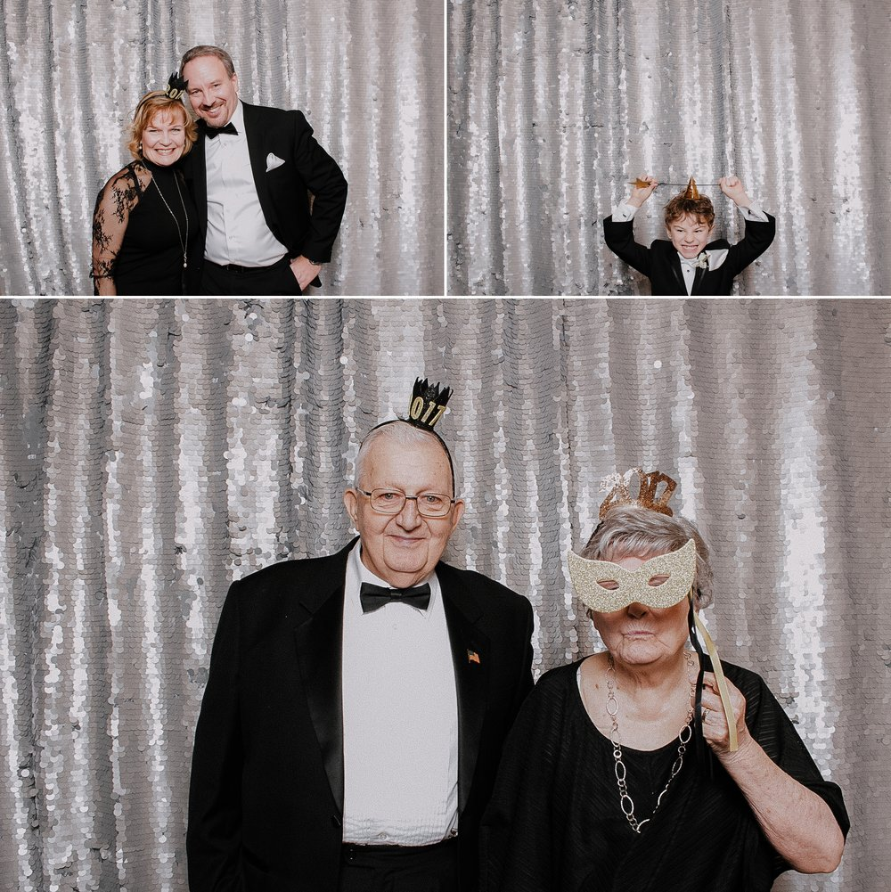 reasons to have a photo booth at your wedding 2