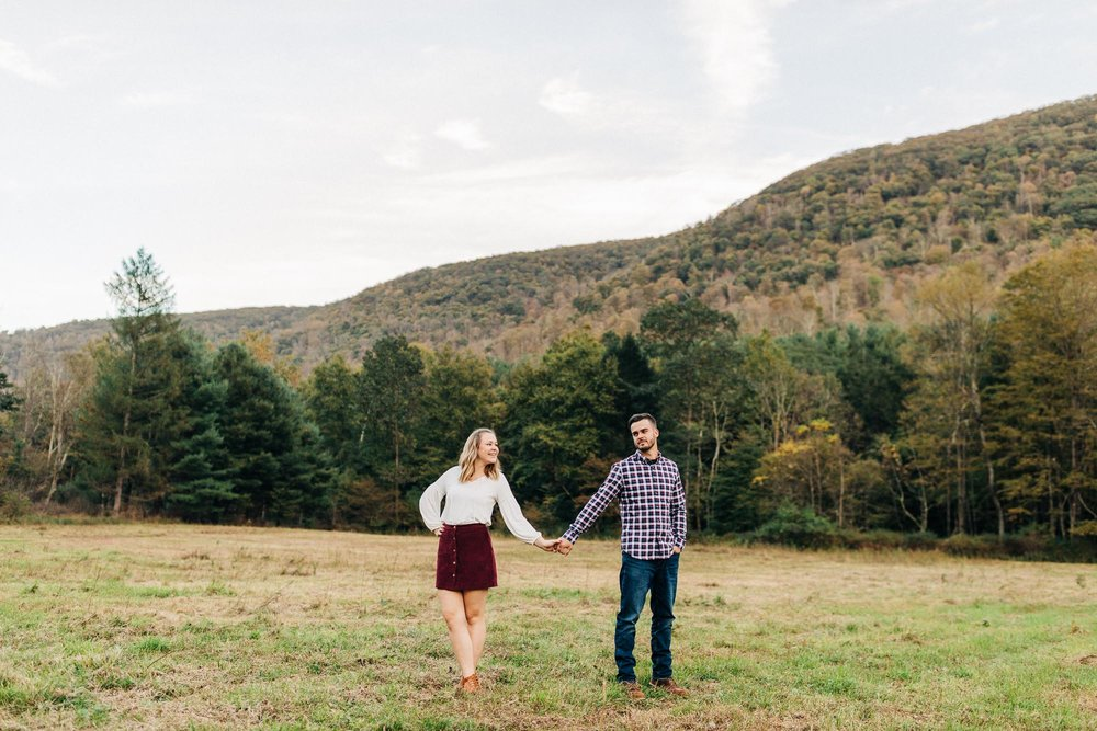 sullivan-falls-fall-engagement-8590.jpg