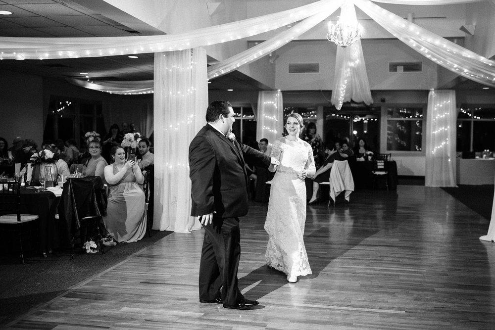 rolling-pines-berwick-pa-wedding-7418.jpg