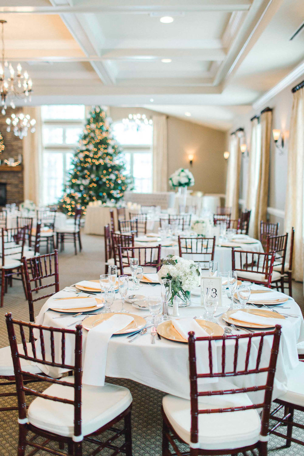 snowy-sand-springs-country-club-drums-pa-christmas-wedding-34517.jpg
