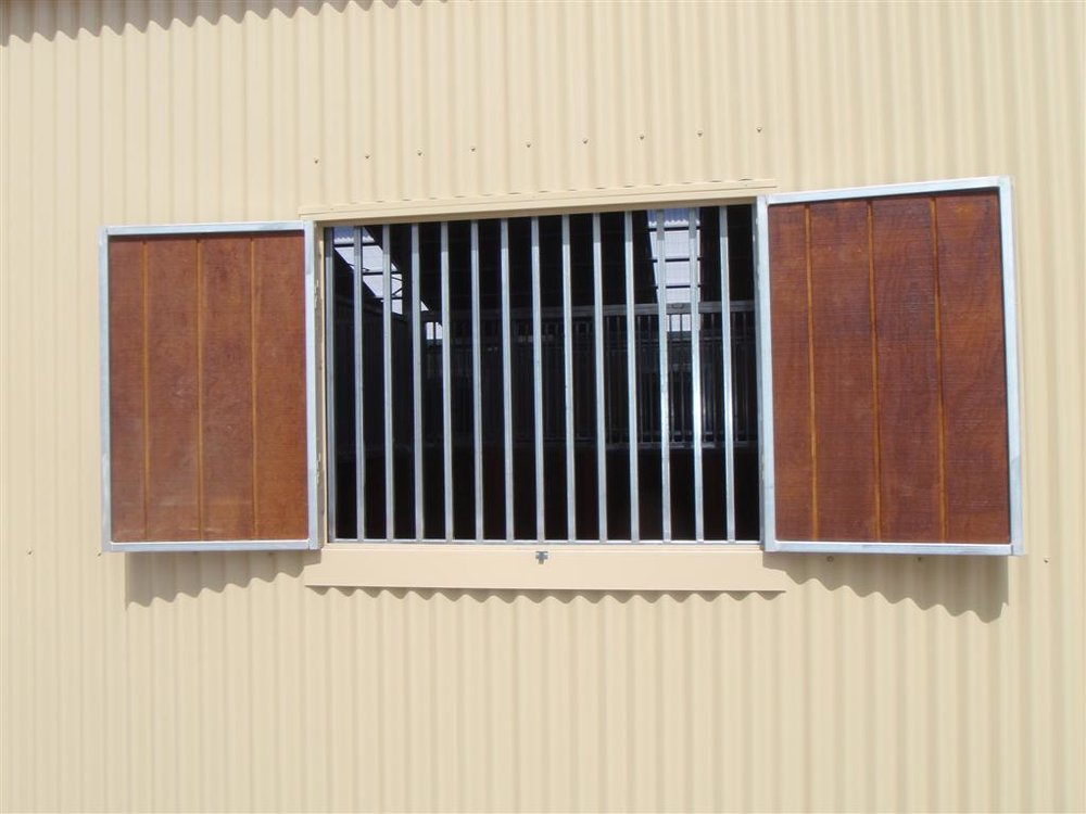 Horse_stable_shutters_with_grilles.jpg
