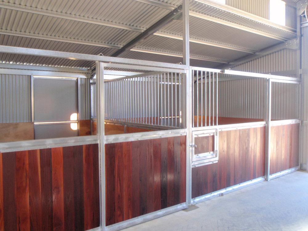 Power_Bunbury_Burekup_horse_stable_with_ sliding_doors_and_inbuilt_feeders.jpg