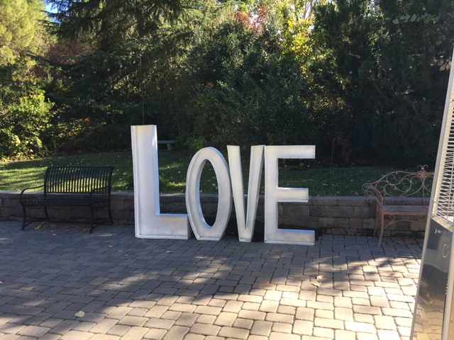 Love marqee letters - Love sign stands at 5 ft tall and spans 6 feet wide. features LED light around the inside for a nice soft white.we deliver and pick up for all day rentalRental- $150.00MORE PICTURES