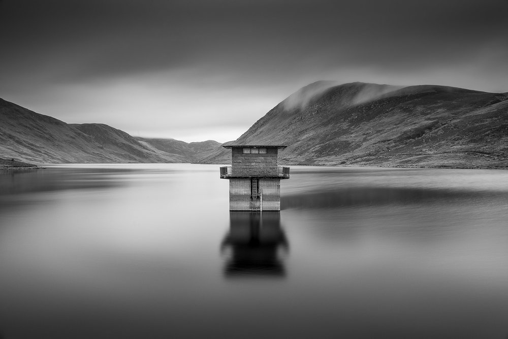 www.iaincrockart.com_landscape_Loch-.jpg
