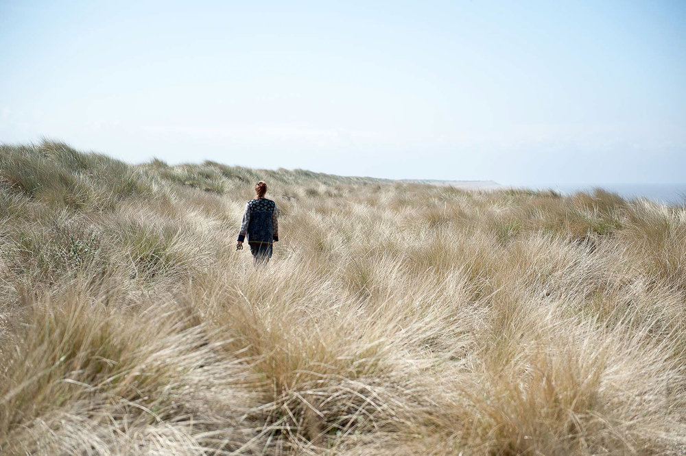 www.iaincrockart.com_landscape-Iain-Crockart-_walking-long-grass-beach.jpg