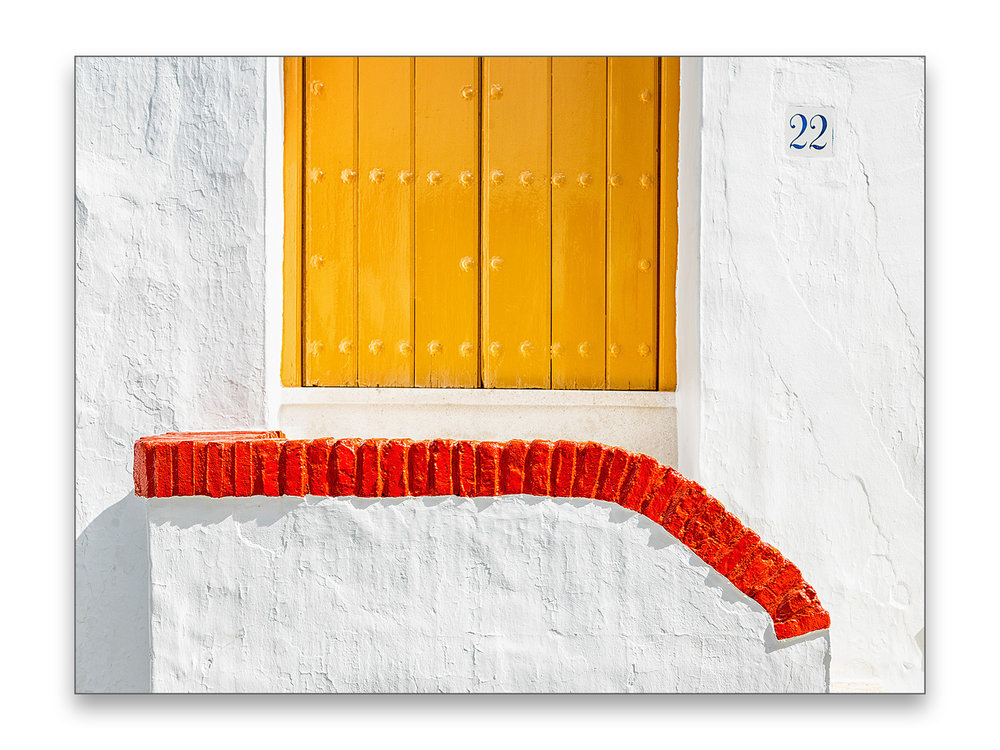 Yellow Door - 40 x 30 cm € 65,-60 x 45 cm € 95,-90 x 60 cm, € 175,-Limited edition of 109 of 10 available