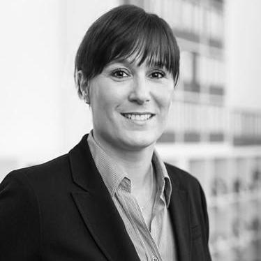 Dr. Nadine Absenger